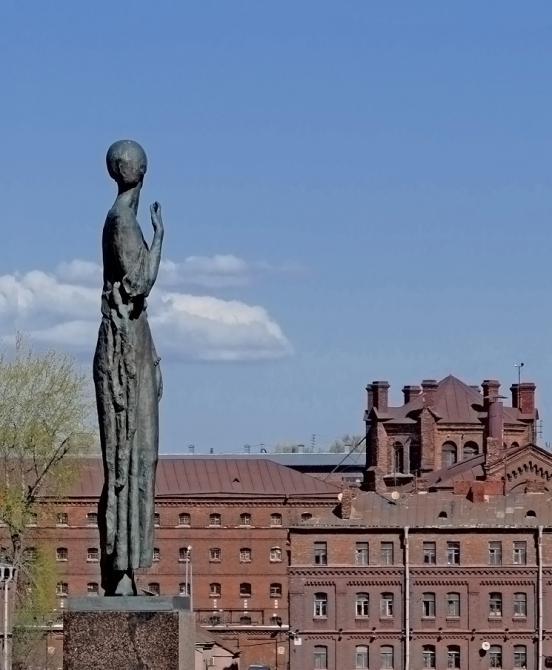 Мемориальный одиночный комплекс с крестом Владимир Резные памятники Моршанск